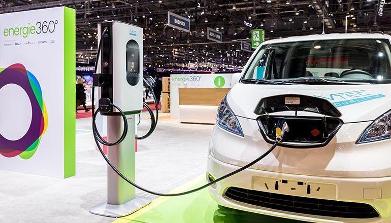 evtec sospeso&charge speichert die Sonnenenergie auf kurzem Weg direkt im Auto.jpg